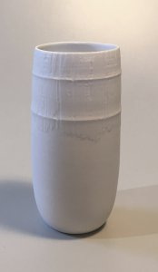 Vase - weiß - Relief - 20,5 x 8,5 cm