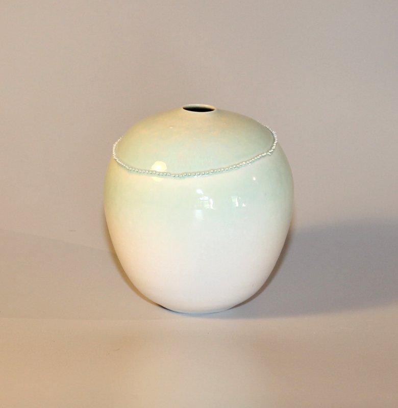 Spitzenvase - blassgrün - 16 cm